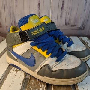Nike boys youth shoes sneakers 5Y 5 407716-007